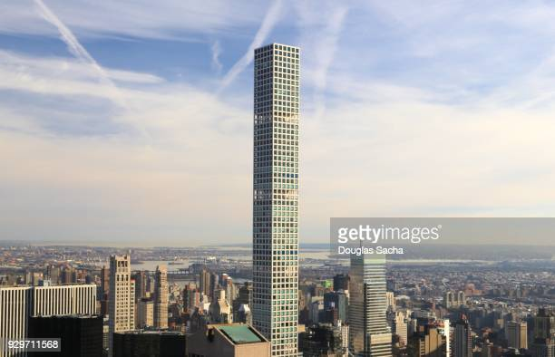 432 park avenue is a residential skyscraper, new york , new york , usa - skyscraper imagens e fotografias de stock