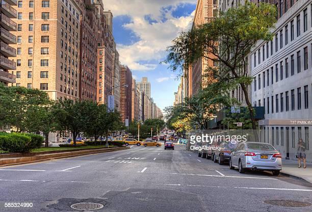 park avenue, manhattan upper east side, new york. - アッパーイーストサイドマンハッタン ストックフォトと画像