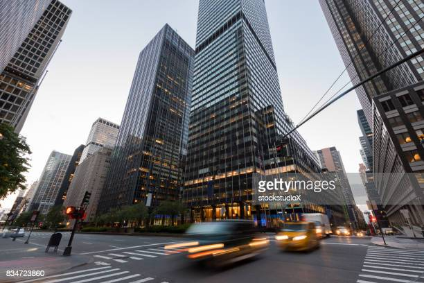 park avenue new york - パークアベニュー ストックフォトと画像
