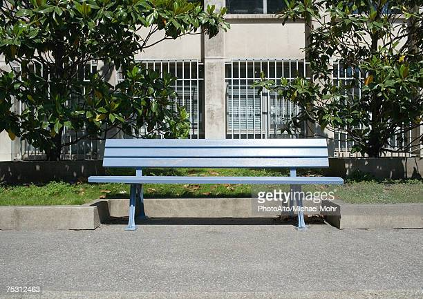 park bench - bench stock pictures, royalty-free photos & images
