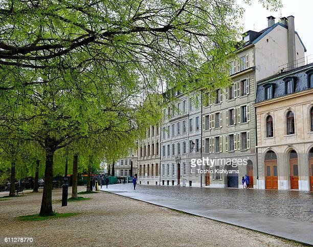 park in old geneva, switzerland - genève zwitserland stockfoto's en -beelden