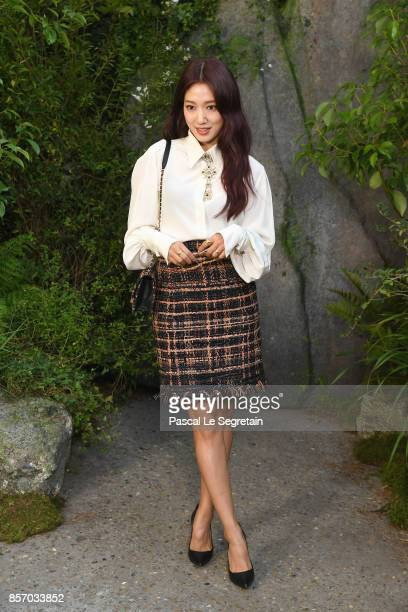 Park Shinhye attends the Chanel show as part of the Paris Fashion Week Womenswear Spring/Summer 2018 on October 3 2017 in Paris France