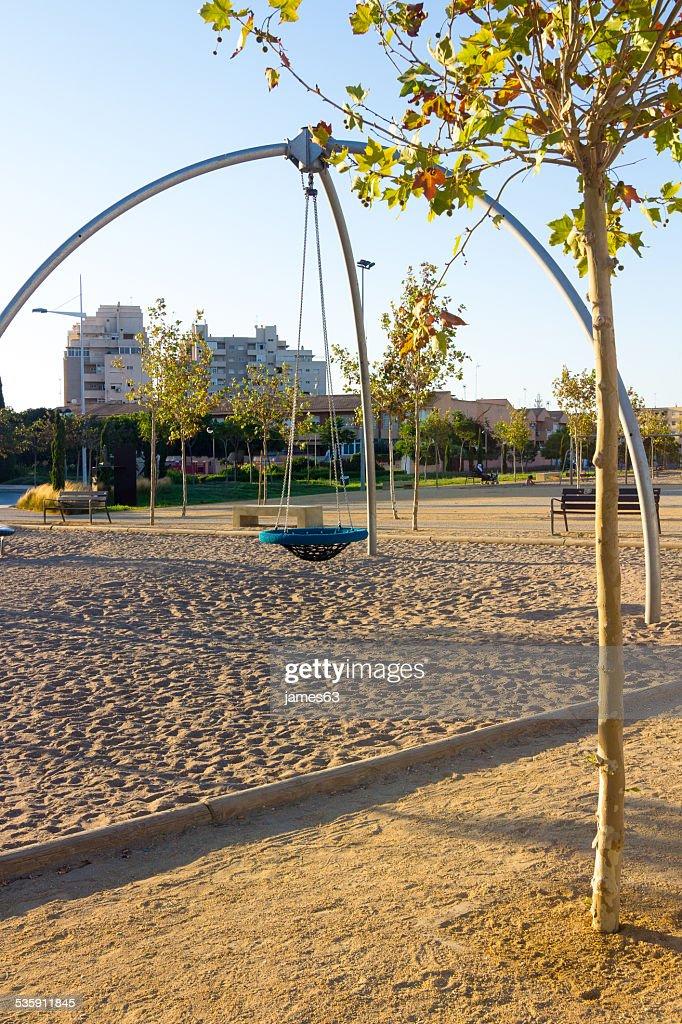 Park con gran swing para jugar : Foto de stock