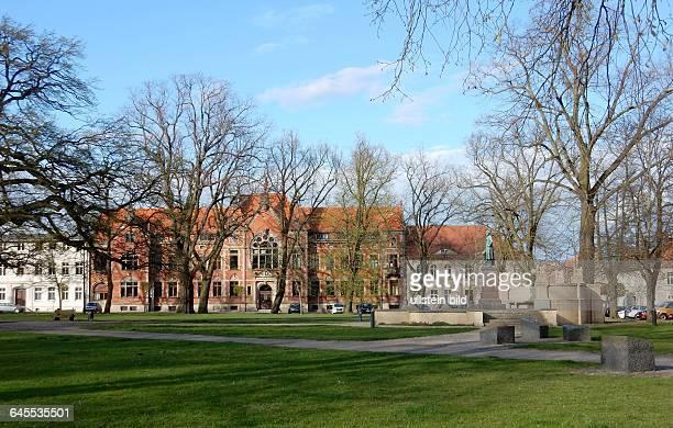 Parkanlage in der Historische Altstadt in der Fontanestadt Neuruppin im Ruppiner Seenland in Brandenburg