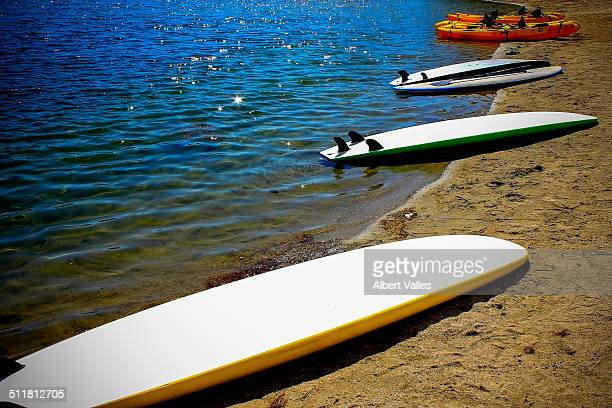 parked by the lakeside - castaic lake stock pictures, royalty-free photos & images