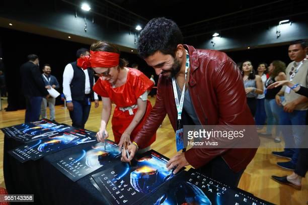 Parker Posey and Ignacio Serricchio attend a meet and greet during the ConqueCon Queretaro 2018 at Queretaro Centro de Congresos on May 04 2018 in...