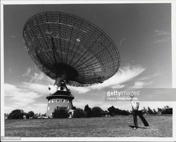 Parkes Radio TelescopeDr Deeming in front of Parkes Radio telescope March 13 1986