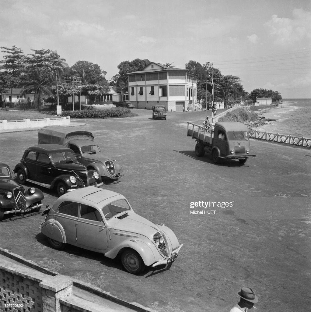 Parking Au Bord D'Une Plage A Libreville : News Photo