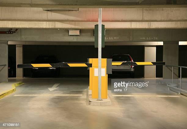 Entrada al estacionamiento sin servicio de valet