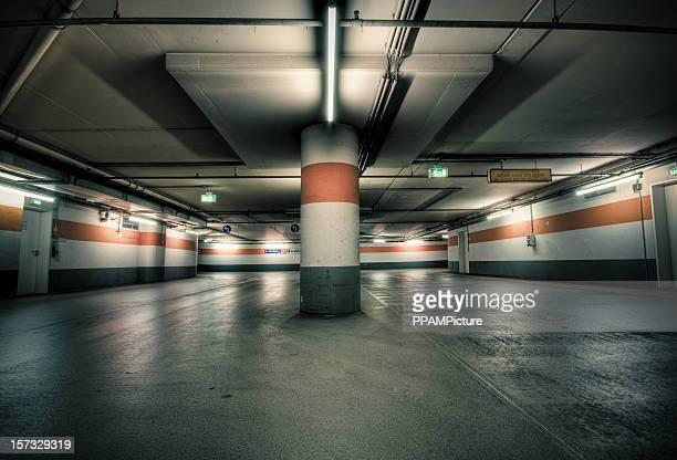 garagem de estacionamento - obstruir - fotografias e filmes do acervo