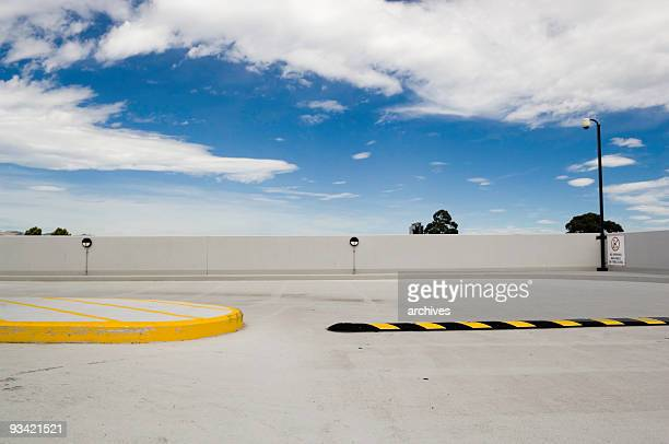 parking garage roof - curb stock pictures, royalty-free photos & images