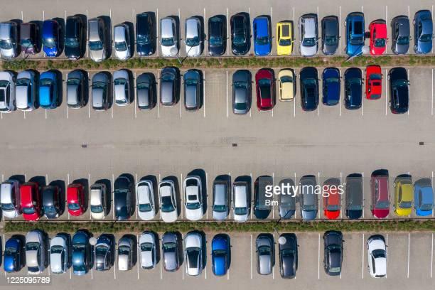 parkeerplaats, luchtfoto - vol fysieke beschrijving stockfoto's en -beelden