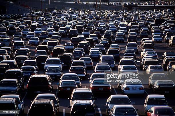 parking lot - laguardia airport - laguardia airport stock pictures, royalty-free photos & images