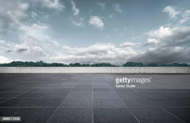 parking lot - suelo embaldosado fotografías e imágenes de stock