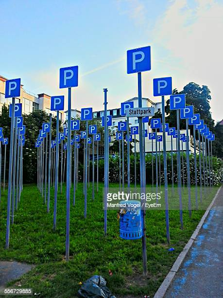 parking signs - letter p stock pictures, royalty-free photos & images
