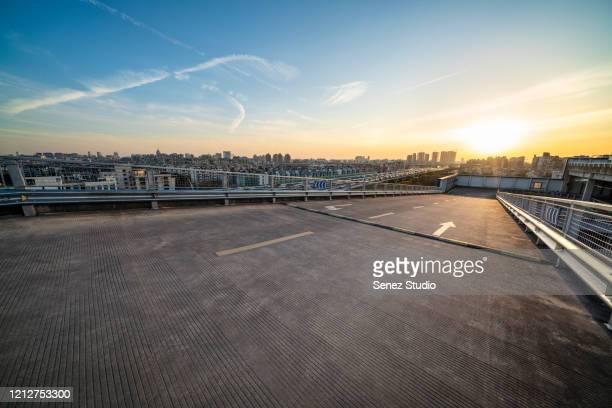 parking spiral - etagenparkhaus stock-fotos und bilder