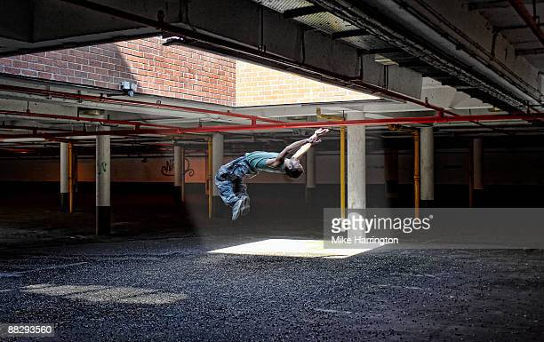 parkour - somersault stock pictures, royalty-free photos & images