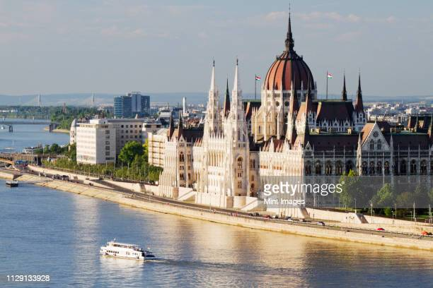 parliament building on the danube - hungary stock pictures, royalty-free photos & images