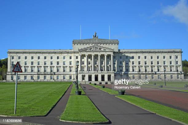 parliament building, stormont, northern ireland. - ulster province stock pictures, royalty-free photos & images