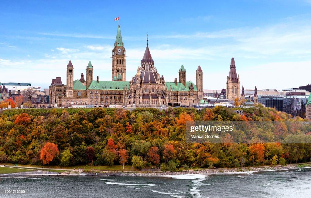 Parliament Hill in Fall, Ottawa, Ontario, Canada : Stockfoto