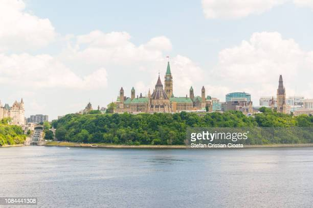 parliament hill, ottawa at summer - canadian politics stock pictures, royalty-free photos & images