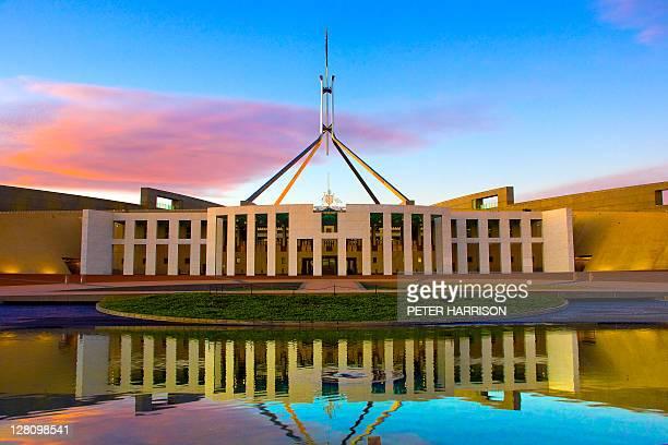 parliament house, canberra - オーストラリア国会議事堂 ストックフォトと画像