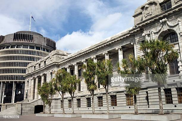 parliament house, new zealand - beehive new zealand stock pictures, royalty-free photos & images