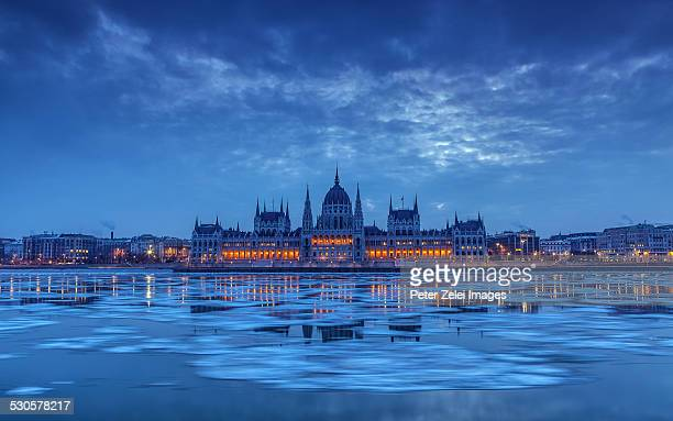 parliament of hungary in the winter - budapest stock pictures, royalty-free photos & images