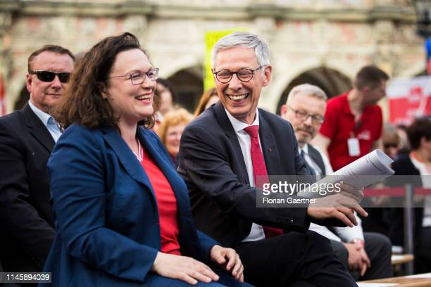 Parliamentary group leader of the Social Democratic Party Andrea Nahles and Mayor of Bremen Carsten Sieling SPD are pictured during the finish of the...