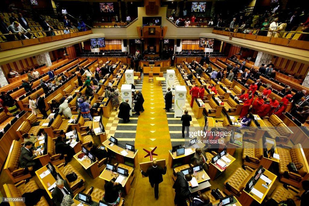 SAFRICA-POLITICS-PARLIAMENT-ZUMA : News Photo