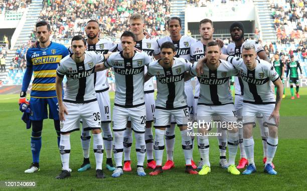 Parma Calcio team line up before the Serie A match between US Sassuolo and Parma Calcio at Mapei Stadium - Citta del Tricolore on February 16, 2020...