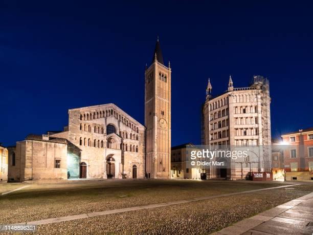 parma cathedral in italy - cattedrale foto e immagini stock
