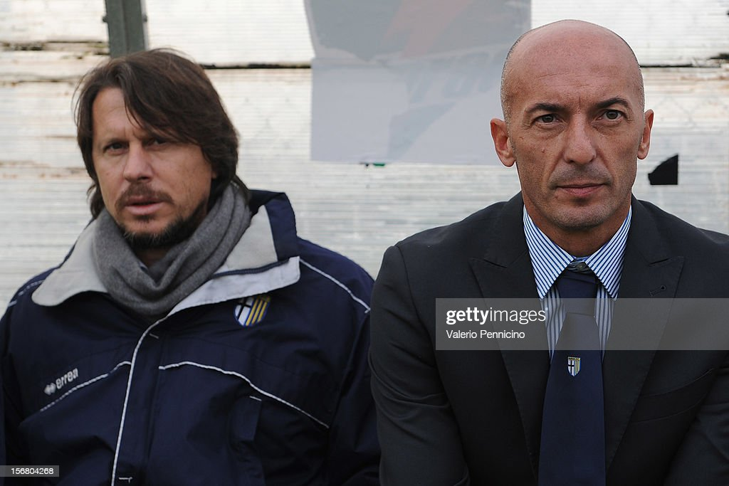 FC Parma head coach Pizzi (R) looks on during the Juvenile match between Juventus FC and FC Parma at Juventus Center Vinovo on November 21, 2012 in Vinovo, Italy.