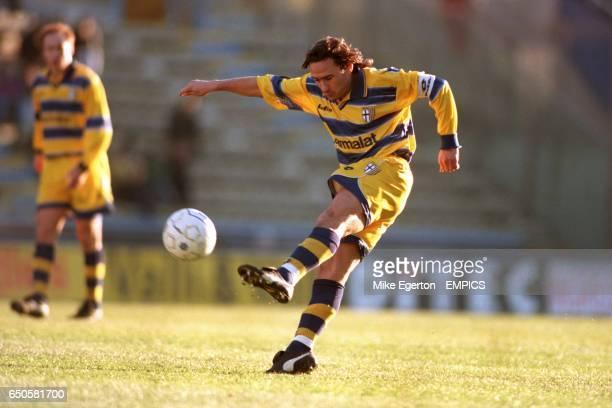 Parma's Antonio Benarrivo shoots for goal