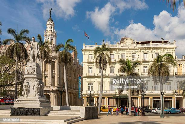parque central, havana, cuba. - old havana stock pictures, royalty-free photos & images