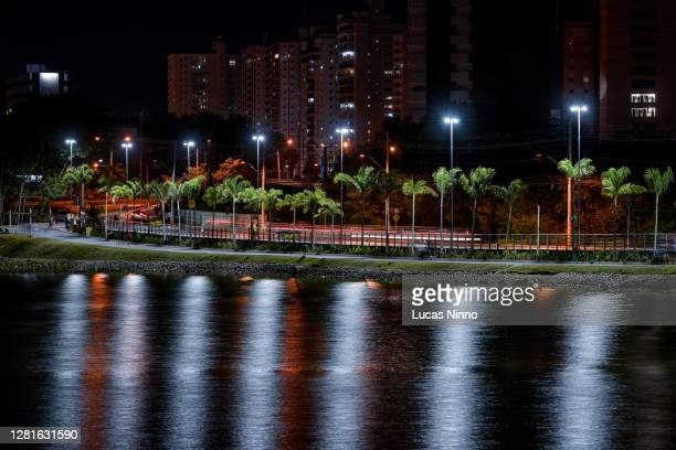 parque das águas at night - cuiabá - クイアバ ストックフォトと画像
