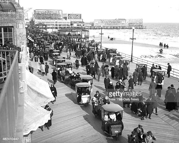 Part of the huge crowds that jammed the million dollar boardwalk at Atlantic City Easter Sunday /NY Daily News via Getty Images