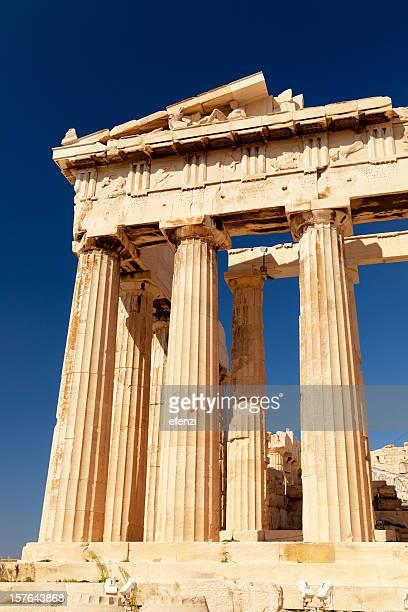 parthénon - temple grec photos et images de collection