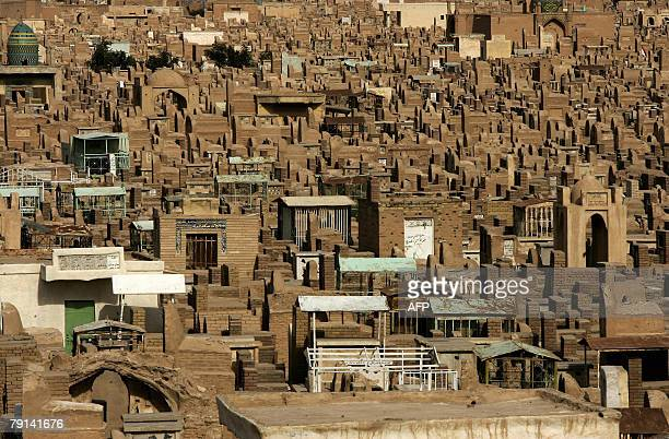 CHARMELOT A partial view shows the cemetery of the Shiite holy city of Najaf in central Iraq 18 January 2008 The Wadi alSalam in Najaf is one of the...
