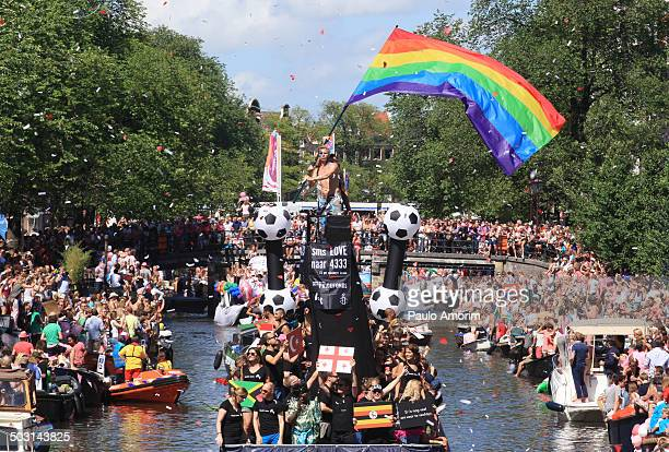 CONTENT] Participantes taks part during Canal Gay Pride in Amsterdam Netherlands 25 August 2013 Photo by Paulo Amorim