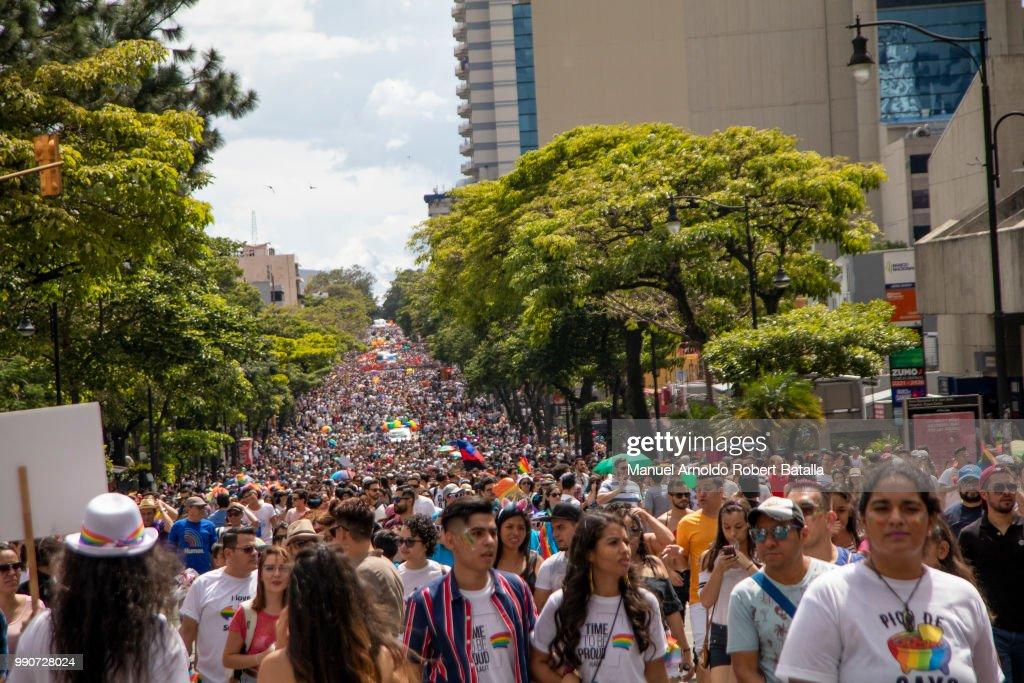 Costa Rican Colon 2013