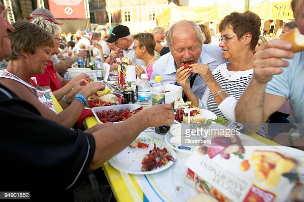 Participants enjoy eating crayfish at the Malmo Festival in Malmo Sweden on Friday August 19 2005 The 'Malmofestivalen' runs until August 25 Swedes...