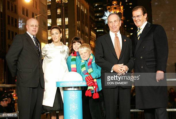 Participants in the ceremony for the lighting of the UNICEF Crystal Snowflake in New York City 18 November, 2004 are President for US Fund for UNICEF...