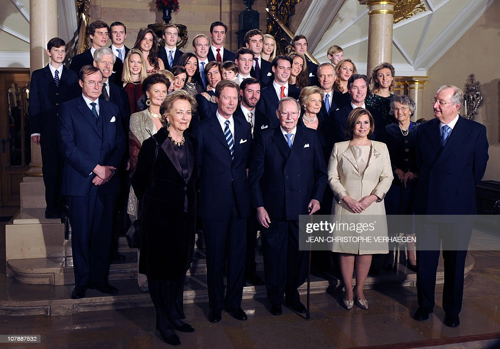 Participants pose form the family photo for the 90th anniversary of Grand-Duc Jean, on January 5, 2011 at the Grand Ducale Palace in Luxembourg.From L to