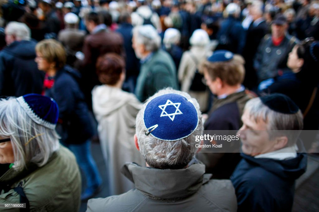 Jewish Community Calls For Kippah Gathering To Protest Against Anti-Semitism : News Photo