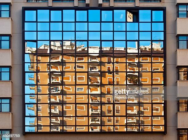 Particolare architettonico dell'edificio delle poste di Palermo