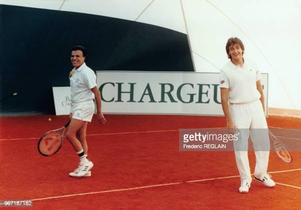 Partie de tennis amicale entre le président argentin Carlos Menem et le vainqueur de la Coupe Davis Henri Leconte à Paris le 19 février 1992 France