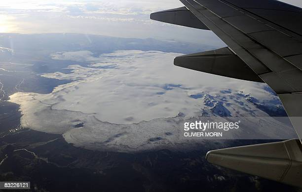 Partly aerial view of the glacier of Skaftafel National Park on October 8 2008 in Iceland AFP PHOTO / OLIVIER MORIN