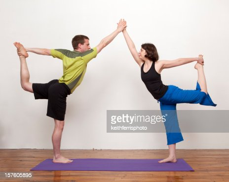 partneryoga stockfoto  getty images
