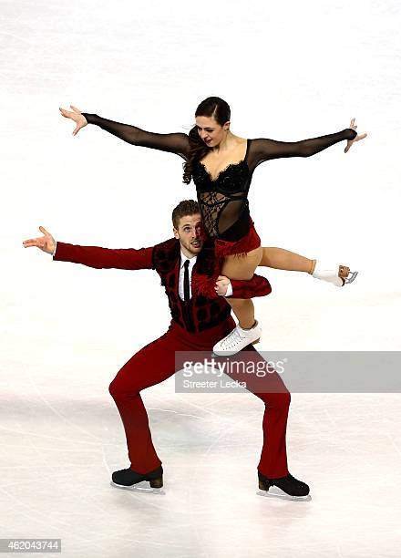 Partners Alexandra Aldridge and Daniel Eaton compete in the Championship Short Dance Pogram Competition during day 2 of the 2015 Prudential US Figure...